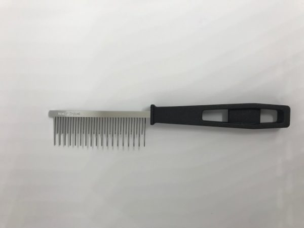 cat moulting comb